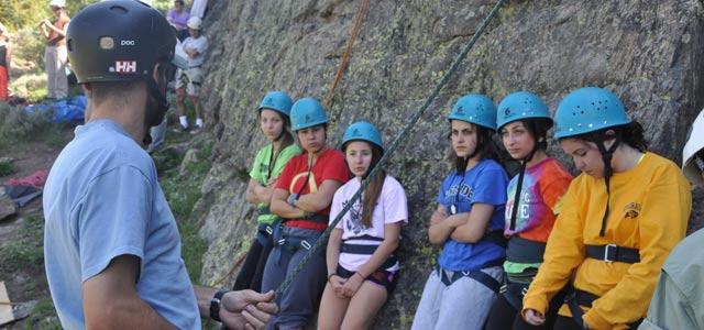 vail-rockclimbing2